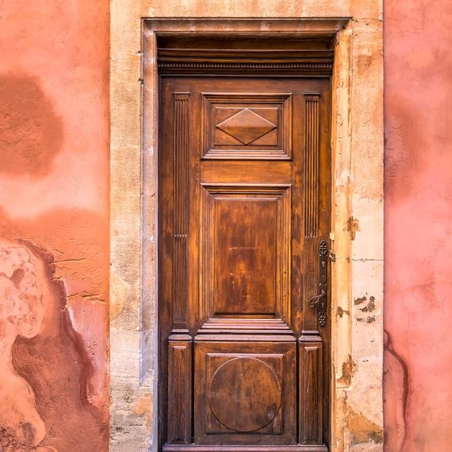 Travaux de peinture extérieur porte entrée exterieure